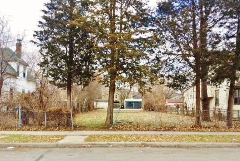 Available LOT - Minneapolis - CASH FLOW  Opportunity!